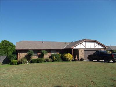 Chickasha Single Family Home For Sale: 311 Christopher Dr.