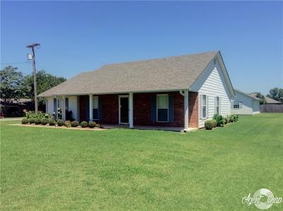 Stroud OK Single Family Home For Sale: $139,900