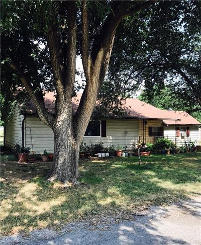 Amber Single Family Home For Sale: 107 Victor