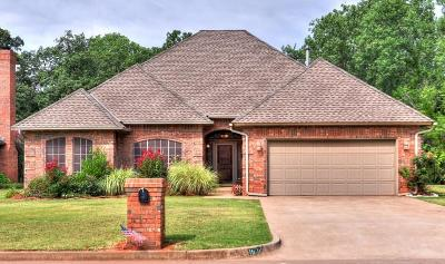 Single Family Home For Sale: 1908 Oaks Way
