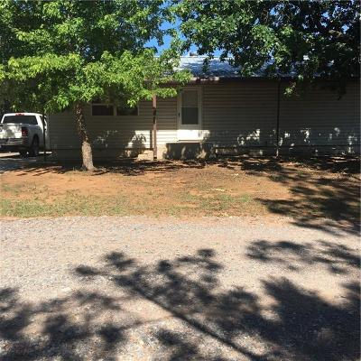 Fort Cobb Single Family Home For Sale: 203 N Clay