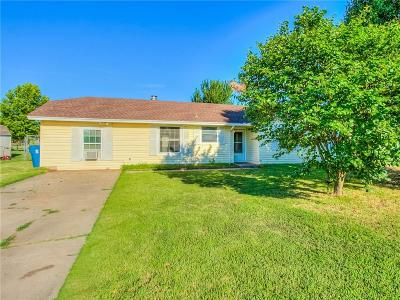 McClain County Single Family Home For Sale: 1021 N Eunice Avenue