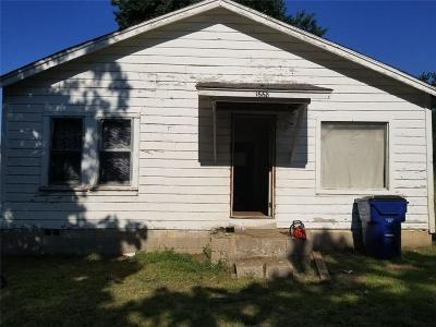 Harrah Single Family Home For Sale: 1668 N 1st