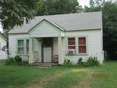 Purcell Single Family Home For Sale: 317 W Eel River