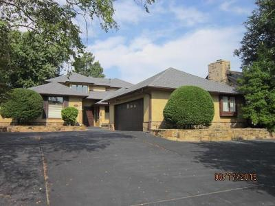 Nichols Hills Single Family Home For Sale: 6417 Centennial Court