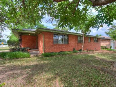 Warr Acres Single Family Home For Sale: 4525 NW 46th