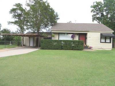 Chickasha Single Family Home For Sale: 1809 S 15th Street