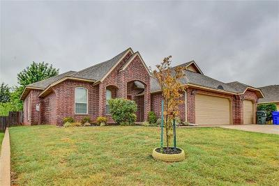 Norman Single Family Home For Sale: 2216 Valley Hollow