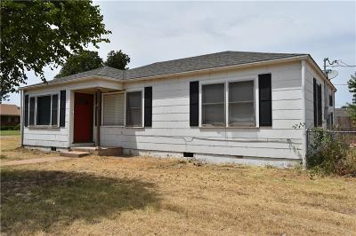 Sayre Single Family Home For Sale: 1402 N 6th