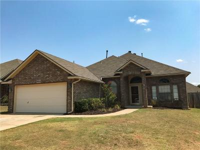 Moore OK Single Family Home For Sale: $176,000