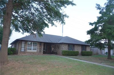 Oklahoma City Single Family Home For Sale: 8900 Kim Marie Lane