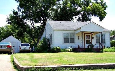 Chickasha Single Family Home For Sale: 709 W Alabama Avenue