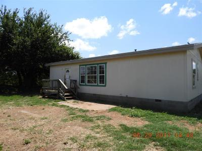 Chickasha Single Family Home For Sale: 2744 County Street 2796