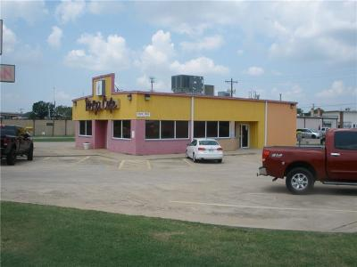 Oklahoma City Commercial For Sale: 107 NE 23