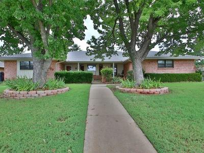Oklahoma City Single Family Home For Sale: 11300 Saint Charles