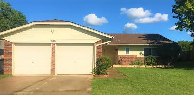 Moore Single Family Home For Sale: 908 Cottonwood