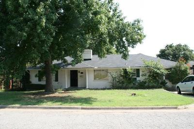 Edmond Single Family Home For Sale: 520 Benton