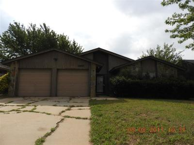 Oklahoma City Single Family Home For Sale: 10052 S Fairview Drives
