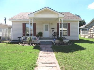 Chickasha Single Family Home For Sale: 1612 S 16th