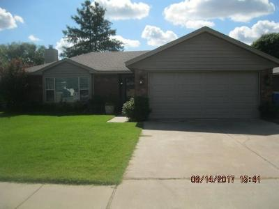 Norman Single Family Home For Sale: 1716 Sumac Drive