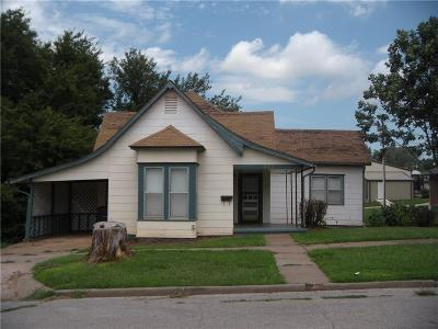 Guthrie Single Family Home For Sale: 412 E Warner Avenue