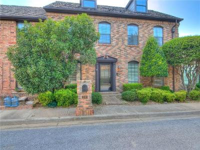 Norman Condo/Townhouse For Sale: 332 Stonehaven Drive