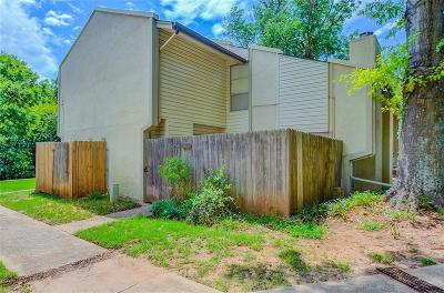 Norman Condo/Townhouse For Sale: 813 Red Bird
