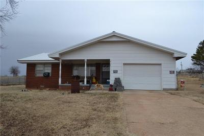 Anadarko Single Family Home For Sale: 31060 Caddo Road