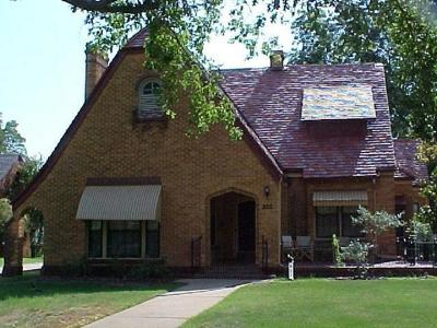 Chickasha Single Family Home For Sale: 927 S 12th