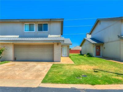 Oklahoma City Condo/Townhouse For Sale: 10118 Hefner Village Terrace