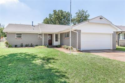 Oklahoma City Single Family Home For Sale: 2804 Manchester