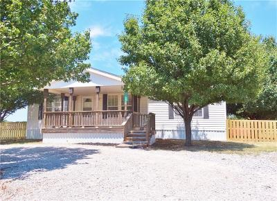 Blanchard OK Single Family Home For Sale: $52,500