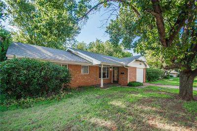 Edmond Single Family Home For Sale: 1817 Hardy Drive