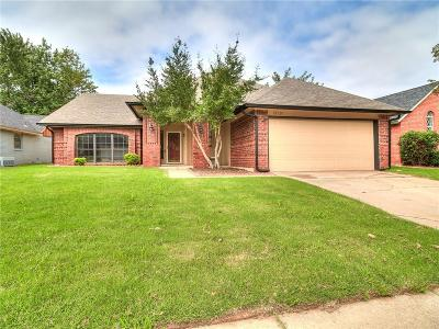 Oklahoma City Single Family Home For Sale: 12101 Blue Moon Avenue