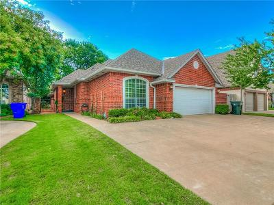 Norman Single Family Home For Sale: 113 Olde Brook Court