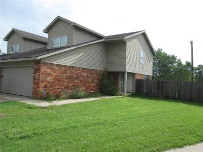 Oklahoma County Multi Family Home For Sale: 528 Westwood Court