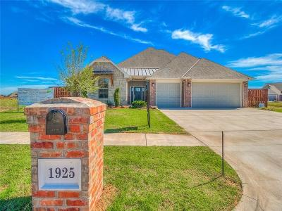 Moore Single Family Home For Sale: 1925 Carmona Lakes Drive