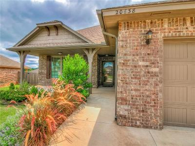 Harrah Single Family Home For Sale: 20638 Frontier Place