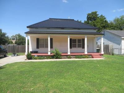 Chickasha Single Family Home For Sale: 1428 W Dakota Avenue