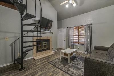 Oklahoma City Condo/Townhouse For Sale: 11120 N Stratford Drive #217