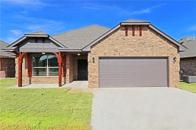 Harrah Single Family Home For Sale: 20559 Pioneer Dr