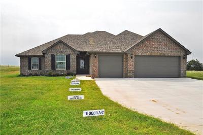 Tuttle Single Family Home For Sale: 2111 E Sooner Road