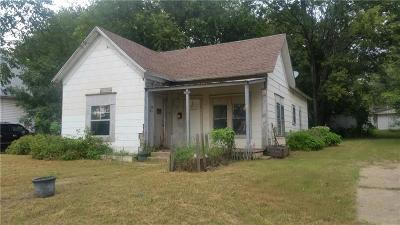 Purcell Single Family Home For Sale: 213 W Brule