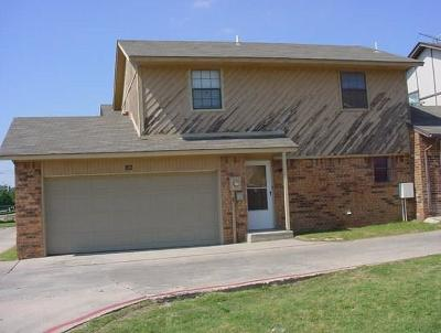 Oklahoma County Condo/Townhouse For Sale: 8400 NW 10th St. #82