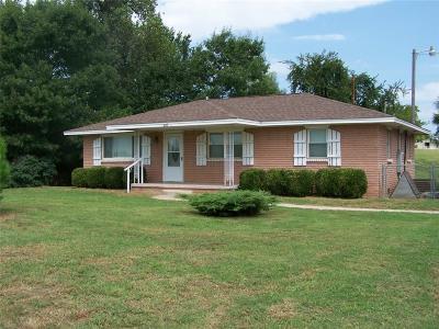 Newcastle Single Family Home For Sale: 913 E Fox Lane