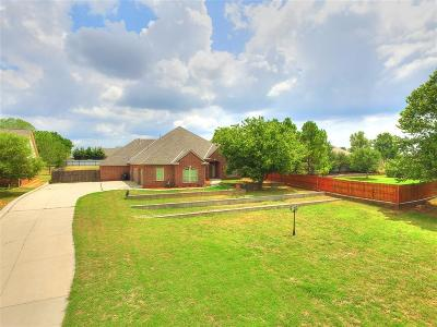 Moore Single Family Home For Sale: 308 S Wyndemere Springs