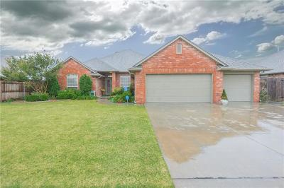 Moore Single Family Home For Sale: 2204 SW 33rd Street