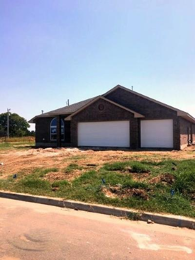 Newcastle Single Family Home For Sale: 1564 SE 17th Place