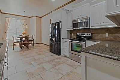 Yukon Single Family Home For Sale: 8108 Hawksbury