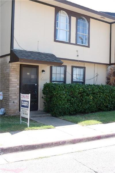 Oklahoma County Condo/Townhouse For Sale: 860 Greenvale